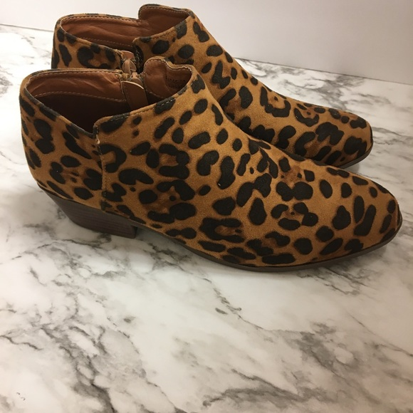 Bella Marie Shoes - Ladies Bella Marie Leopard Booties